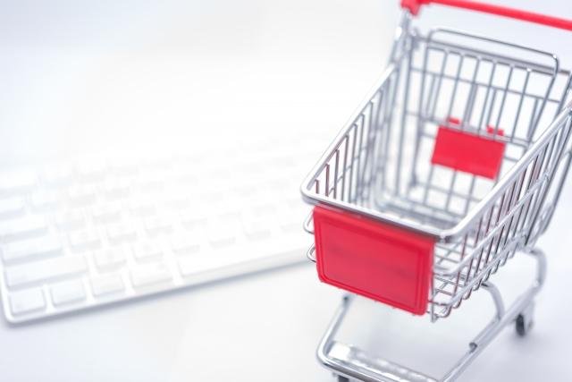 百貨店の実店舗とネットショップ(オンラインショッピング)を比較